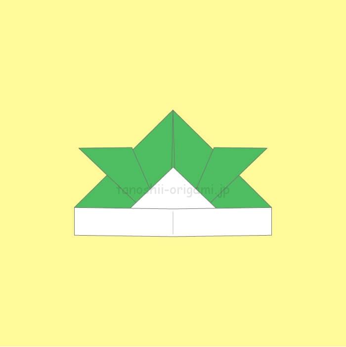 折り紙の兜の完成
