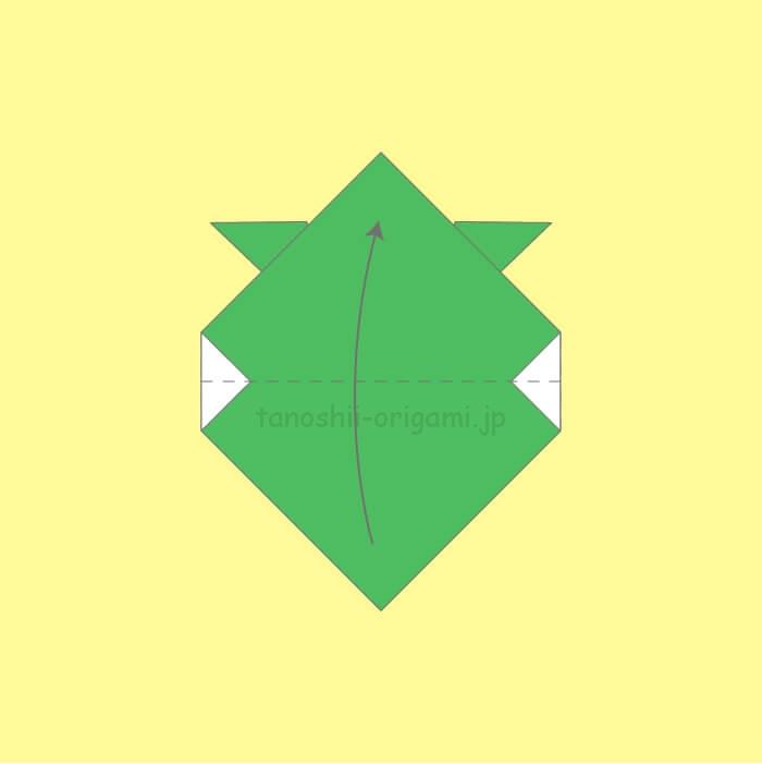 角と角を合わせて折る