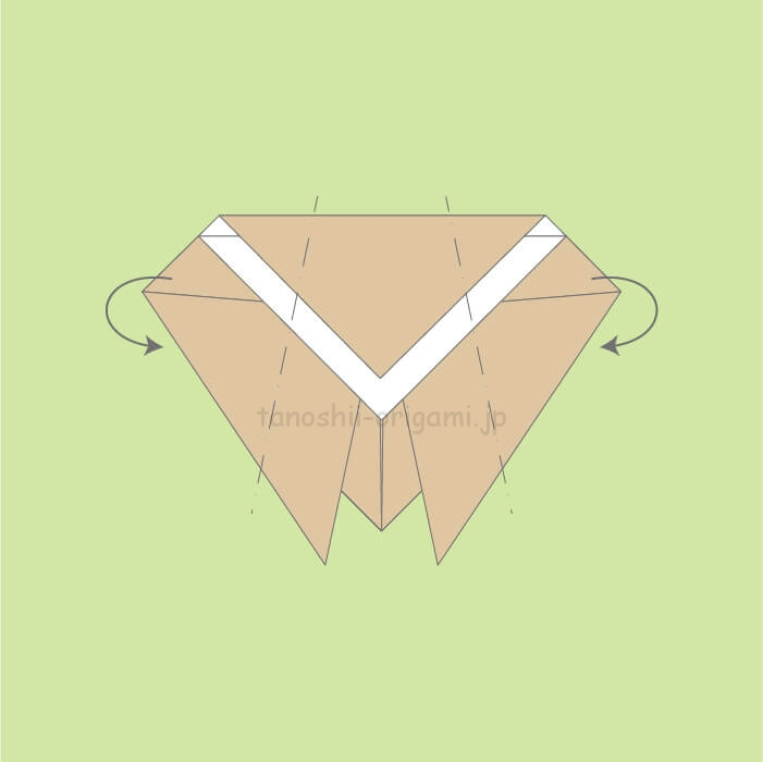 5_両サイドを少し斜めに裏側に折る