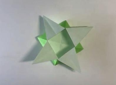 折り紙のつのこうばこの折り方