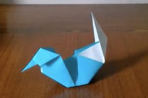 折り紙の水鳥(みずどり)