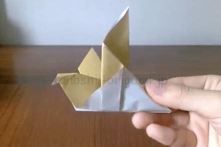 折り紙の鳩の完成