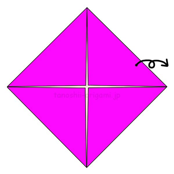 1.折り紙の4つの角を真ん中に向けて折り、開く-3