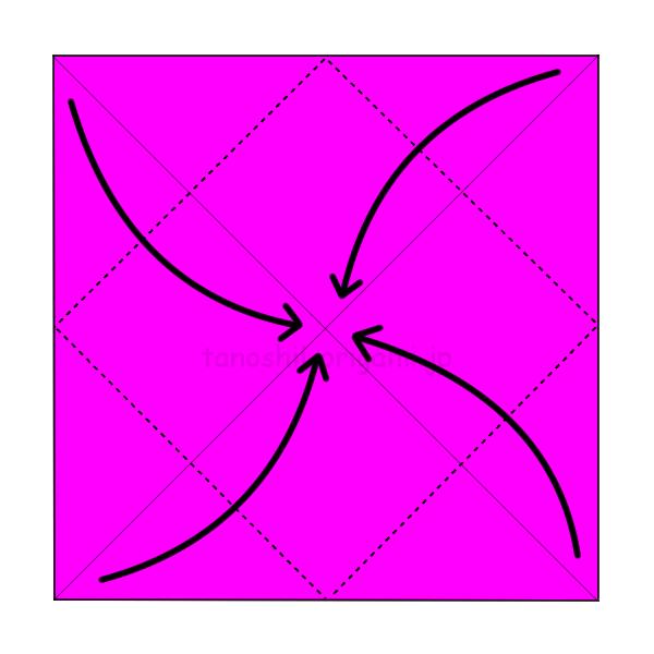 1.角を真ん中に合わせて折る