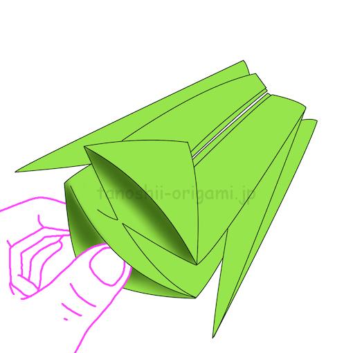 13.中に入っている折り紙を外側に引っ張り出す。-2