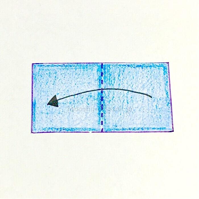 2.さらに折り紙を半分に折る