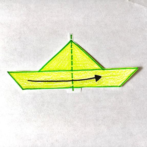 3.横に半分に折る