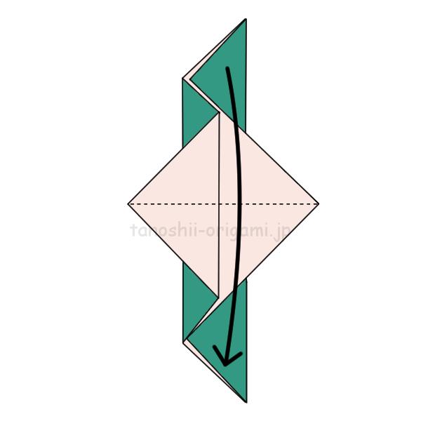 4.重なっているところを開いて半分に折る
