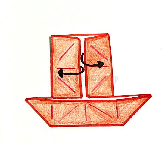 8.反対側も同じように開いて折る。