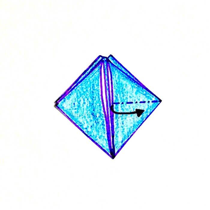 9.折り紙を開いて潰すように折る