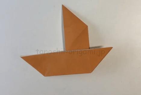 折り紙の船簡単な折り方帆掛け船ほかけぶねの作り方をイラストで