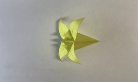 折り紙の百合(ゆり)の花の折り紙