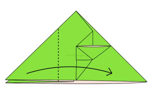 11.左側の1つの折り線に合わせて右側に向けて折る