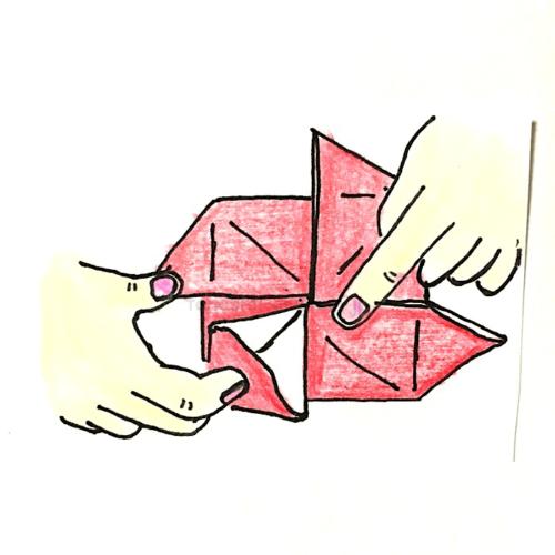 11.折り線に合わせて開いてつぶすように折る