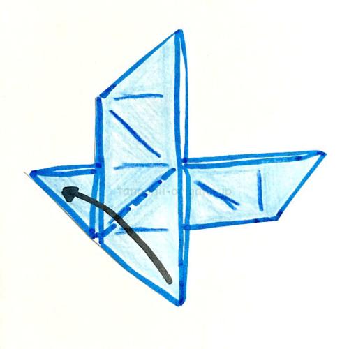 12.下に向いているところを折り線にあわせて折る