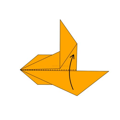 13.折り目が隠れるように半分に折る