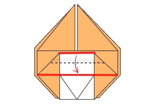 13.赤線を重ねるように折る