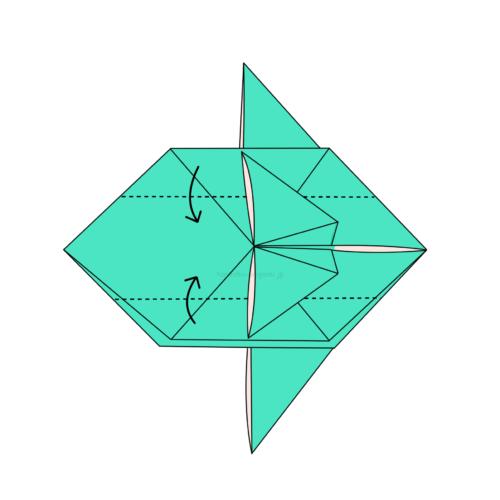 16-1.点線の部分で真ん中に合わせて折る