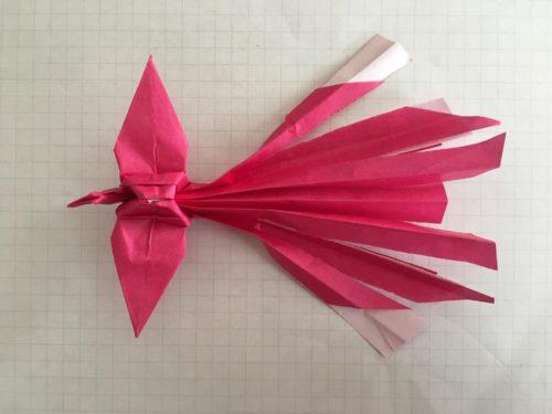 16-2.折り紙の鳳凰(ほうおう)のしっぽを切る