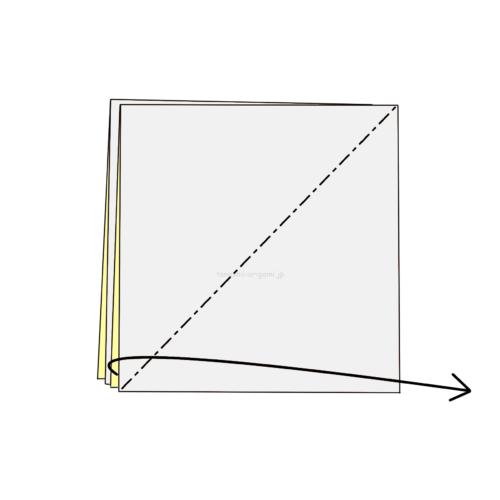 3-1.斜めに折り線をつけ、開いてつぶすように折る
