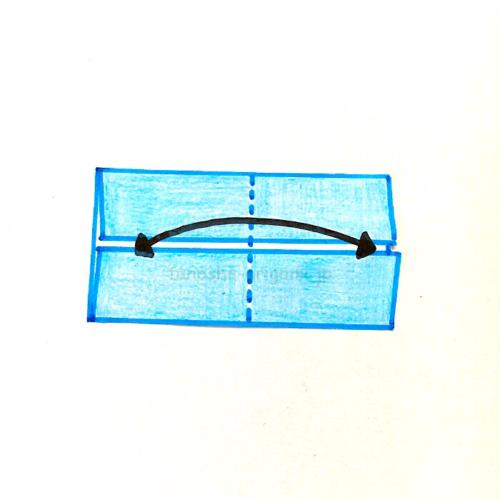 3.半分のところに折り線をつける