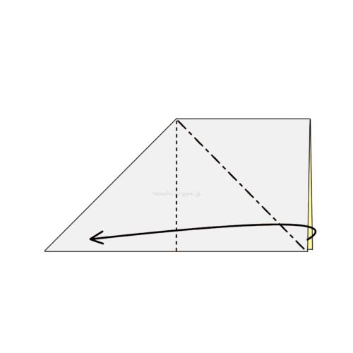 5.反対側も斜めに折り線をつけて、開いてつぶすように折る
