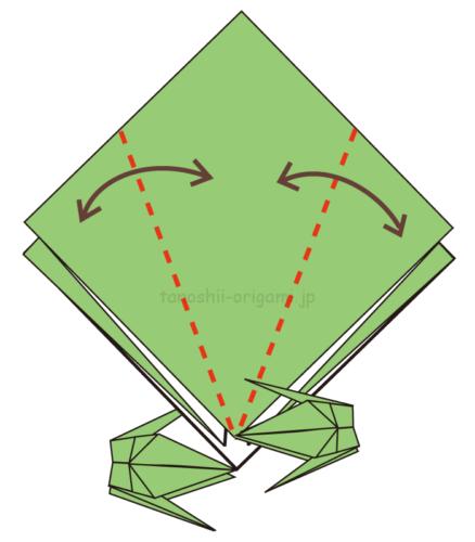 5.大きい正方形も鶴を折っていく。