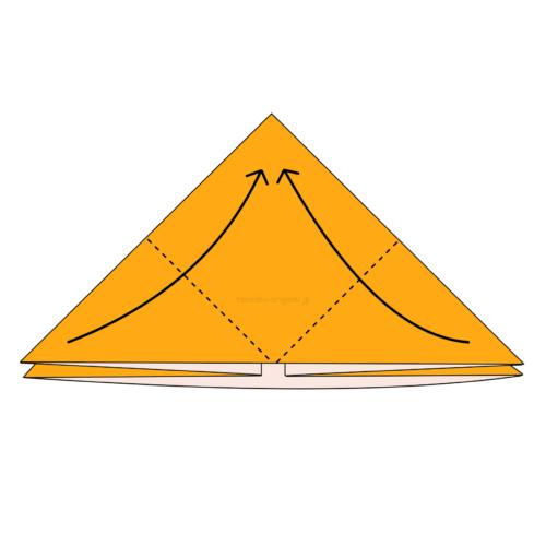 7.両端の角をてっぺんと重なるように合わせて折る-2