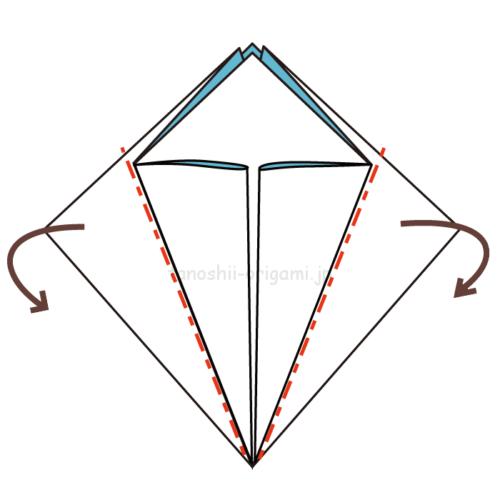8.反対側も同じように真ん中に合わせて折る