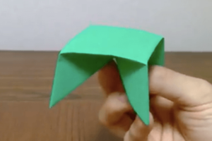 折り紙のテーブル(机)の折り方