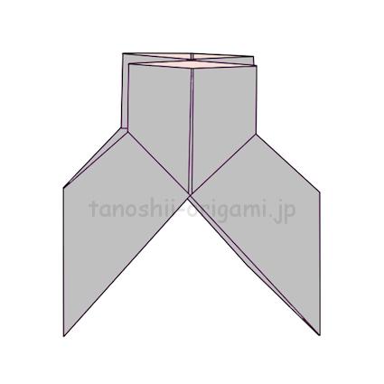 10.折り線に沿ってこのような形に折る