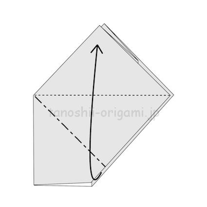 7.反対側も同じように開いてつぶすように折る。