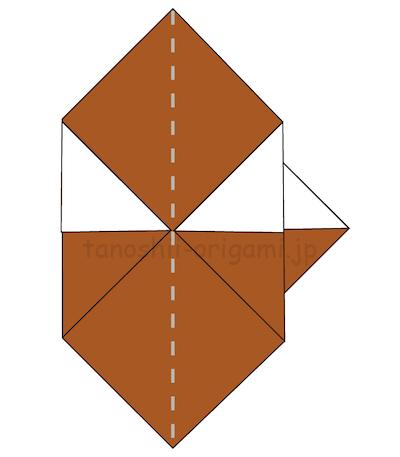 10.左右の角を中心に合わせて折る。