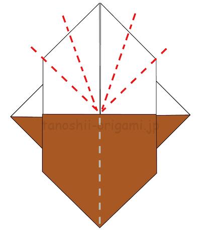 13.上の部分を左右それぞれ、谷折り・山折りして折り線をつける。