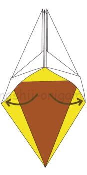 16-1下の方を左右に広げて潰すように折る。