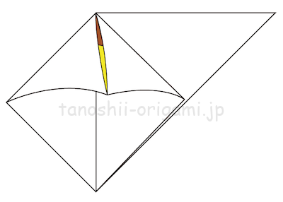 7-2折り線に合わせて開いて潰すように折る。
