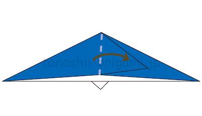 12.立ち上がった部分を倒して折り線をつける。