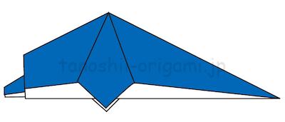18.折り紙を半分に折る。